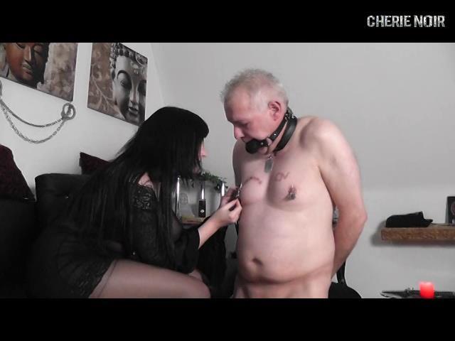[CHERIE-NOIR] Extreme Nipple Torture With 16 Needles. Featuring: Lady Cherie Noir [SD][480p][MP4]