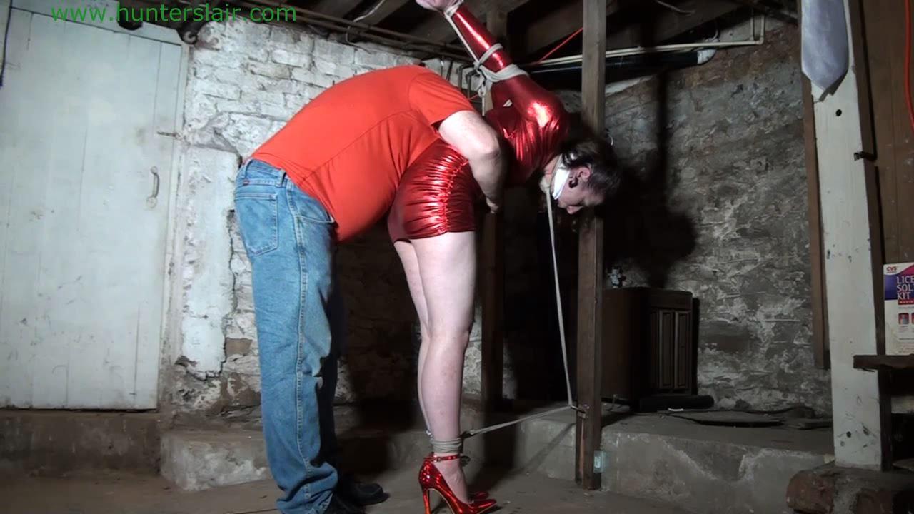[HUNTERSLAIR] Held captive in the dank creepy basement. Featuring: Gmoras [HD][720p][MP4]