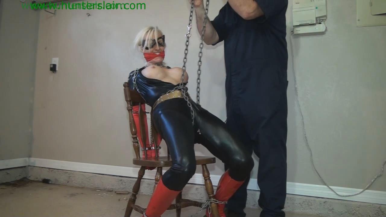 [HUNTERSLAIR] Superheroines chair bound anguish. Featuring: Rachel D. Dee [HD][720p][MP4]